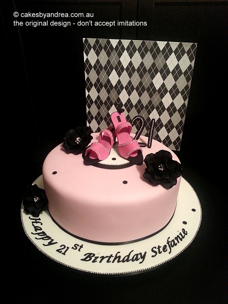 pink-shoe-cake-black-roses-original