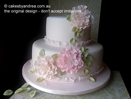 vintage-modern-ruffle-engagement-cake