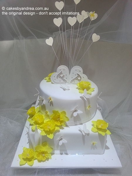white-wedding-yellow-daffodils